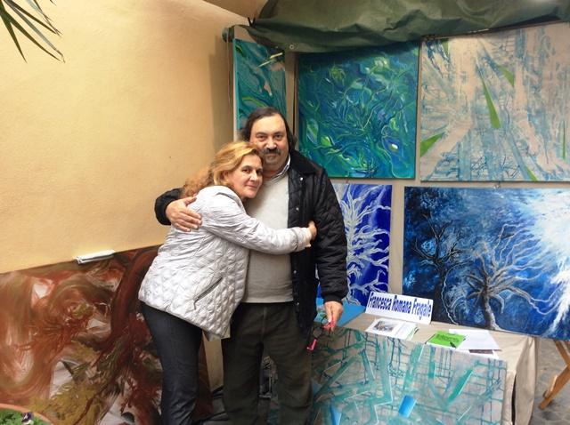 Francesca Romana Fragale in compagnia del Maestro Claudio Morleni durante la mostra tenuta dalla Fragale in Via Margutta con i Cento Pittori.