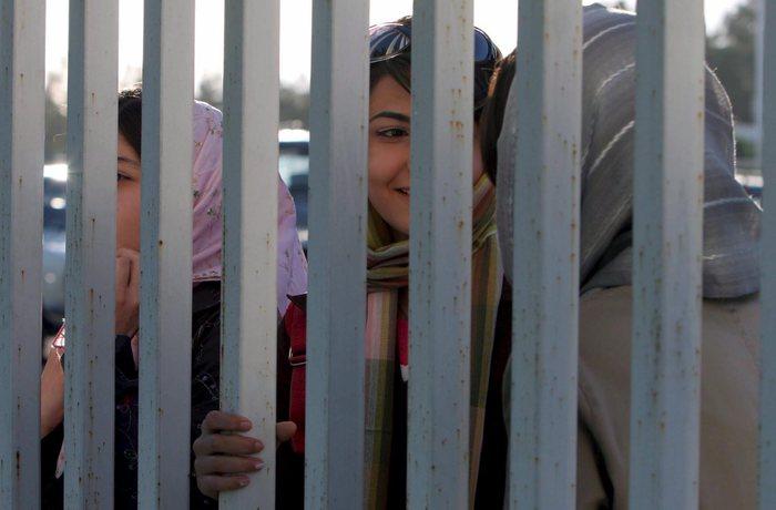Iran: le donne potranno entrare negli stadi di calcio – Mondo