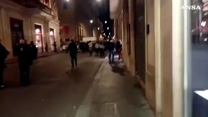 """Roma irriconoscibileRoma, la protesta """"No Green pass"""": giornalisti minacciati co"""